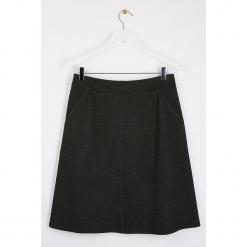 """Spódnica """"Poisuni"""" w kolorze ciemnoszarym. Szare spódnice damskie Scottage, klasyczne. W wyprzedaży za 86.95 zł."""