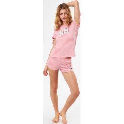Etam - Top piżamowy Chloe. Szare piżamy damskie Etam, z nadrukiem, z bawełny, z krótkim rękawem. W wyprzedaży za 39.90 zł.