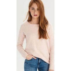 Sweter z wiązaniem na plecach - Różowy. Czerwone swetry damskie Sinsay, z dekoltem na plecach. Za 59.99 zł.