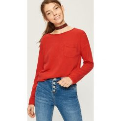 Sweter z kieszenią - Czerwony. Czerwone swetry damskie Sinsay. Za 39.99 zł.