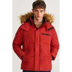 Pikowana kurtka z kapturem - Czerwony. Czerwone kurtki męskie Reserved. Za 239.99 zł.
