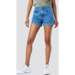 NA-KD Szorty jeansowe z wysokim stanem - Blue. Szorty damskie marki KIPSTA. W wyprzedaży za 113.36 zł.