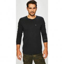 Calvin Klein Jeans - Longsleeve. Czarne bluzki z długim rękawem męskie Calvin Klein Jeans, z bawełny, z okrągłym kołnierzem. Za 179.90 zł.