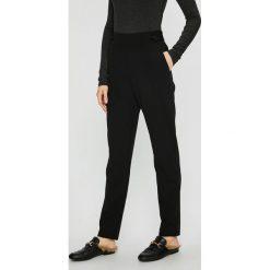Jacqueline de Yong - Spodnie. Szare spodnie materiałowe damskie Jacqueline de Yong, z elastanu. Za 89.90 zł.