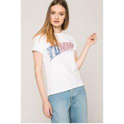 Tommy Jeans - Top. Szare topy damskie Tommy Jeans, z nadrukiem, z bawełny, z okrągłym kołnierzem, z krótkim rękawem. W wyprzedaży za 119.90 zł.