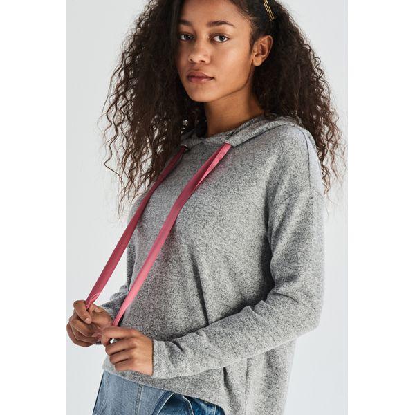 9250ef8e43df98 Krótki sweter z kapturem - Jasny szar - Swetry damskie Sinsay. W ...