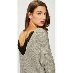 Vero Moda - Sweter. Szare swetry damskie Vero Moda, z dzianiny. W wyprzedaży za 149.90 zł.