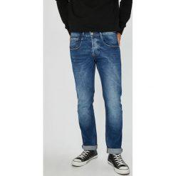 Guess Jeans - Jeansy Vermont. Niebieskie jeansy męskie Guess Jeans. W wyprzedaży za 279.90 zł.