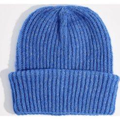 Czapka beanie z dzianiny w prążki - Niebieski. Niebieskie czapki i kapelusze damskie Mohito, z dzianiny. Za 39.99 zł.