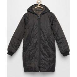 Dwustronna kurtka z kapturem - Czarny. Czarne kurtki i płaszcze dla dziewczynek Reserved. W wyprzedaży za 99.99 zł.
