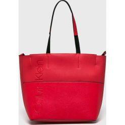 Calvin Klein - Torebka. Czerwone torby na ramię damskie Calvin Klein. Za 539.90 zł.