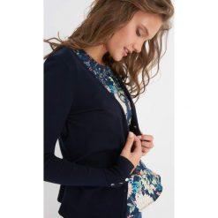 Sweter na guziki. Niebieskie kardigany damskie Orsay, z dzianiny. Za 49.99 zł.