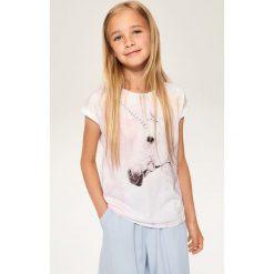 T-shirt z jednorożcem - Biały. T-shirty damskie marki bonprix. W wyprzedaży za 14.99 zł.