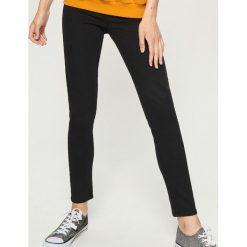 Jegginsy - Czarny. Czarne legginsy damskie Sinsay, z jeansu. Za 49.99 zł.