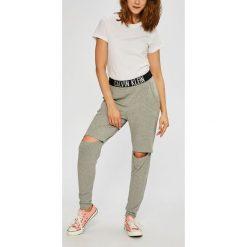 Calvin Klein Jeans - Legginsy. Legginsy damskie Calvin Klein Jeans. W wyprzedaży za 199.90 zł.