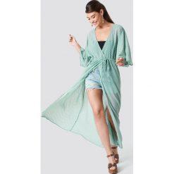 NA-KD Boho Sukienka-płaszcz z szyfonu - Green. Zielone płaszcze damskie NA-KD Boho, z poliesteru, boho. Za 161.95 zł.