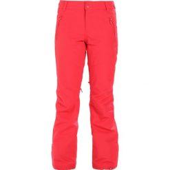 Roxy WINTERBREAK Spodnie narciarskie red. Spodnie snowboardowe damskie Roxy, z materiału, sportowe. W wyprzedaży za 566.10 zł.
