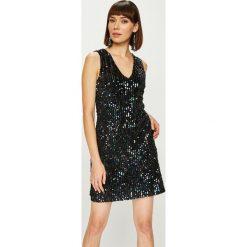 Answear - Sukienka Night Fever. Szare sukienki damskie ANSWEAR, z poliesteru, eleganckie. Za 169.90 zł.