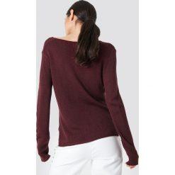 Rut&Circle Sweter dzianinowy z dekoltem V Ninni - Red. Czerwone swetry damskie Rut&Circle, z dzianiny. Za 80.95 zł.