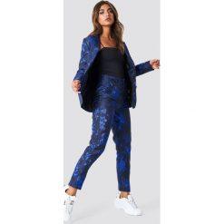 NA-KD Party Proste spodnie żakardowe - Black,Blue. Czarne spodnie materiałowe damskie NA-KD Party, z żakardem. Za 202.95 zł.