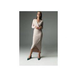 Sukienka Fern - nude. Brązowe sukienki damskie Madnezz, z aplikacjami, z bawełny, z kopertowym dekoltem. Za 309.00 zł.