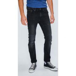 Mustang - Jeansy Biker Denim. Czarne jeansy męskie Mustang. W wyprzedaży za 239.90 zł.