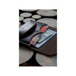 Traveler Wallet – minimalistyczny portfel skórzany, ręcznie szyty. Brązowe portfele męskie Woodsman craft, ze skóry. Za 199.00 zł.