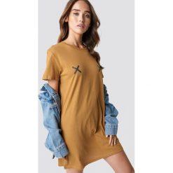 NA-KD Sukienka T-shirt Double X - Brown. Brązowe sukienki damskie NA-KD. Za 80.95 zł.