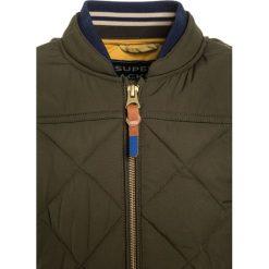 Scotch Shrunk QUILTED Kurtka zimowa military. Kurtki i płaszcze dla chłopców Scotch Shrunk, na zimę, z materiału. W wyprzedaży za 351.20 zł.