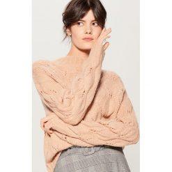 Ażurowy sweter z wełną - Fioletowy. Fioletowe swetry damskie Mohito, z wełny. Za 129.99 zł.