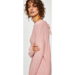 Medicine - Sweter Basic. Szare swetry damskie MEDICINE, z bawełny, z okrągłym kołnierzem. Za 79.90 zł.