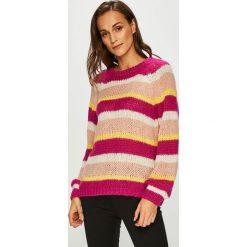 Vero Moda - Sweter. Szare swetry damskie Vero Moda, z dzianiny, z okrągłym kołnierzem. Za 149.90 zł.