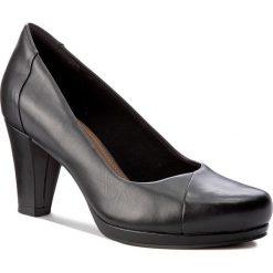 Półbuty CLARKS - Chorus Carol 261279484 Black Leather. Czarne półbuty damskie Clarks, z materiału, eleganckie. W wyprzedaży za 249.00 zł.