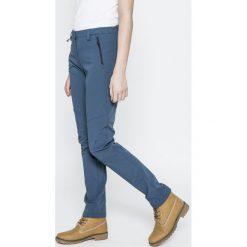 Salewa - Spodnie Snowboardowe. Szare spodnie materiałowe damskie Salewa, z elastanu. W wyprzedaży za 319.90 zł.