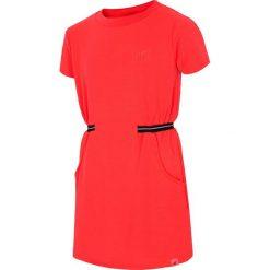 Sukienka dla dużych dziewcząt JSUDD208 - czerwony neon. Czerwone sukienki dla dziewczynek 4F JUNIOR, z dzianiny, sportowe. Za 59.99 zł.