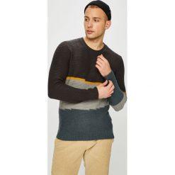 Review - Sweter. Szare swetry przez głowę męskie Review, z dzianiny, z okrągłym kołnierzem. Za 219.90 zł.