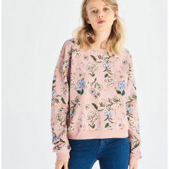 3bcbee0b25 Bluza w kwiaty - Różowy. Bluzy damskie marki Sinsay. Za 39.99 zł.