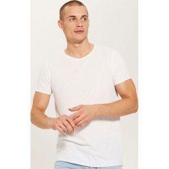 T-shirt basic - Biały. T-shirty damskie marki DOMYOS. W wyprzedaży za 19.99 zł.