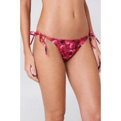 NA-KD Swimwear Dół bikini Rose Triangle - Pink,Multicolor. Różowe bikini damskie NA-KD Swimwear. Za 19.95 zł.