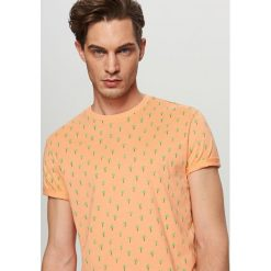 T-shirt z drobnym nadrukiem - Kremowy. T-shirty męskie marki Giacomo Conti. W wyprzedaży za 39.99 zł.