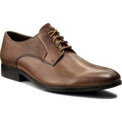 Półbuty CLARKS - Gilmore Lace 261339017 Tan Leather. Brązowe eleganckie półbuty Clarks, z materiału. W wyprzedaży za 229.00 zł.