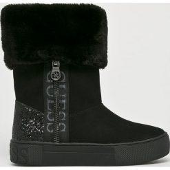 Guess Jeans - Śniegowce. Czarne śniegowce i trapery damskie Guess Jeans, z gumy. Za 649.90 zł.