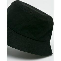 True Spin - Kapelusz Plain Buckets. Szare czapki i kapelusze męskie True Spin. W wyprzedaży za 59.90 zł.