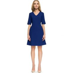 Sukienka trapezowa krótki rękaw s027. Niebieskie sukienki damskie Style, z dekoltem w serek, z krótkim rękawem. Za 145.90 zł.