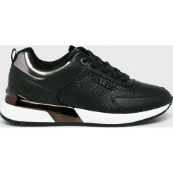 Guess Jeans - Buty. Czarne obuwie sportowe damskie Guess Jeans, z aplikacjami, z gumy. Za 529.90 zł.