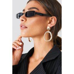NA-KD Accessories Wąskie okulary przeciwsłoneczne - Black. Czarne okulary przeciwsłoneczne damskie NA-KD Accessories. Za 80.95 zł.