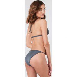 Filippa K Góra bikini Shiny Triangle - Blue. Niebieskie bikini damskie Filippa K. W wyprzedaży za 101.48 zł.