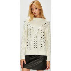 Medicine - Sweter Hand Made. Szare swetry damskie MEDICINE, z dzianiny, z okrągłym kołnierzem. W wyprzedaży za 79.90 zł.