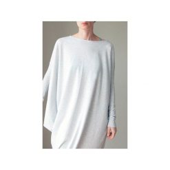 Asymetryczna sukienka długi rękaw szara. Szare sukienki damskie One mug a day, z bawełny, z asymetrycznym kołnierzem, z długim rękawem. Za 219.00 zł.