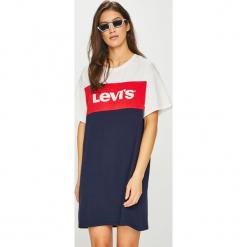 Levi's - Sukienka. Brązowe sukienki damskie Levi's, z nadrukiem, z bawełny, casualowe, z okrągłym kołnierzem. Za 189.90 zł.
